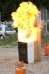 kako gori olje če ga gasiš z vodo
