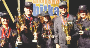Fire Combat - državni prvaki (Marjanca Kužnik, Andrej Molek, Mateja Filipič, Iztok Gliha, Ana Marija Filipič)